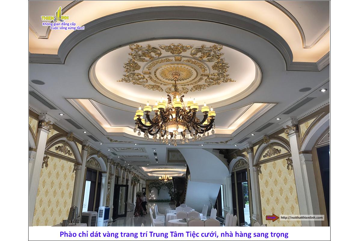 Phào chỉ dát vàng trang trí trung tâm tiệc cưới, nhà hàng sang trọng (1)