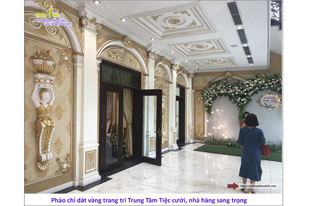 Phào chỉ dát vàng trang trí trung tâm tiệc cưới, nhà hàng sang trọng (11)