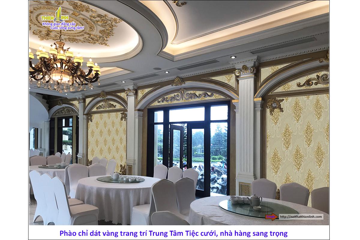Phào chỉ dát vàng trang trí trung tâm tiệc cưới, nhà hàng sang trọng (3)